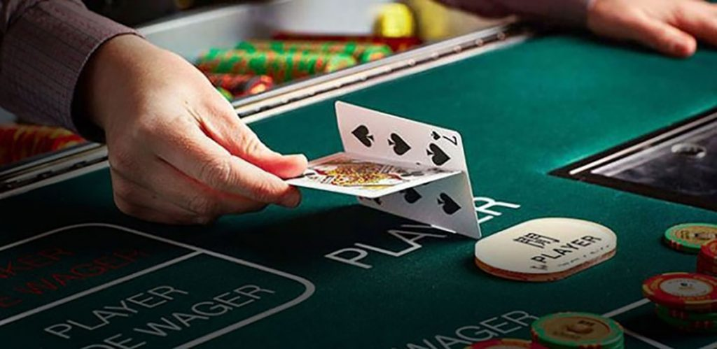 Easy Tips for Playing Baccarat Cards Online
